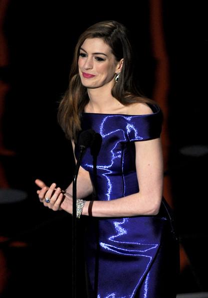 Anne+Hathaway+83rd+Annual+Academy+Awards+Show+bdf85ao9rdsl.jpg