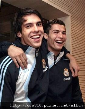 Cristiano_Ronaldo_Kaka_Real_Madrid.jpg