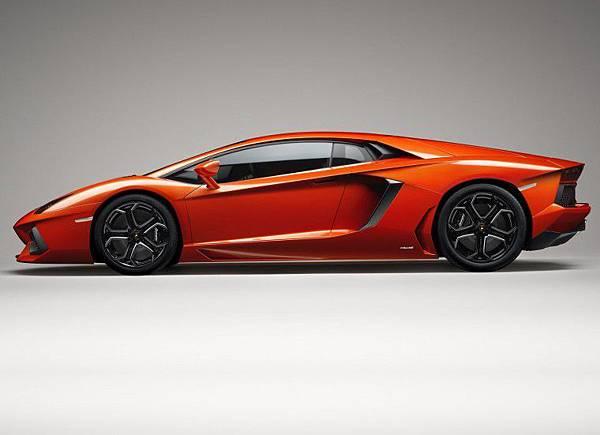 Lamborghini-Aventador-LP700-4 (10).jpg