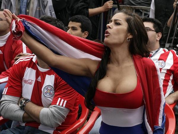 Larissa-Riquelme-Paraguay-World-Cup-Fan-7.jpg