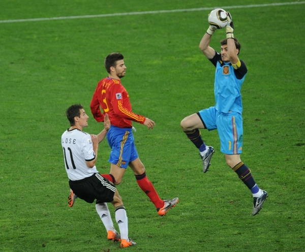 599eea06f3d1ac890a0aa1f17c4798d5-getty-fbl-wc2010-match62-ger-esp.jpg