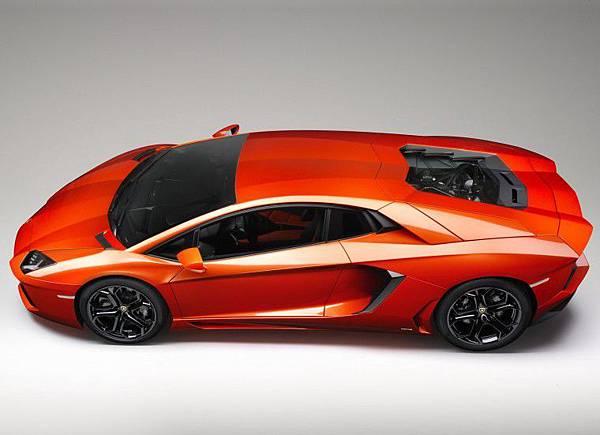 Lamborghini-Aventador-LP700-4 (9).jpg