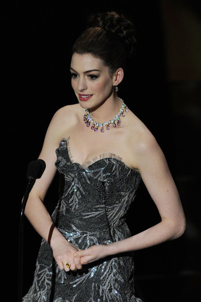 Anne+Hathaway+83rd+Annual+Academy+Awards+Show+zKkxJqVTMMFl.jpg