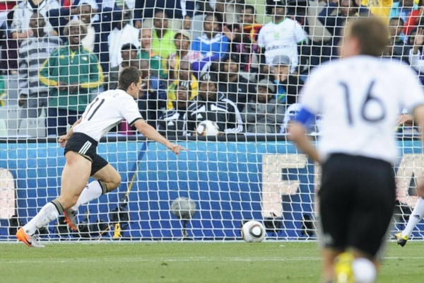 bd76a72a8b0cf4db5f5eb9ec2318489b-getty-fbl-wc2010-match51-ger-eng.jpg