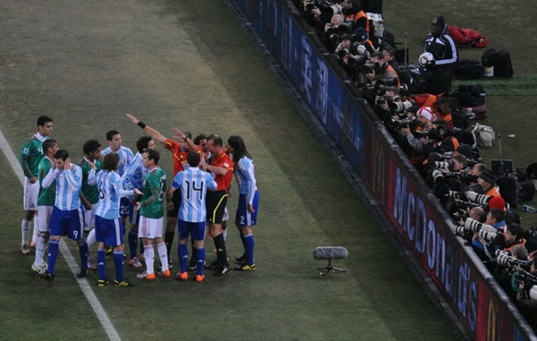 4761f49c78cacbc1911aad6b885f2d5a-getty-fbl-wc2010-match52-arg-mex.jpg