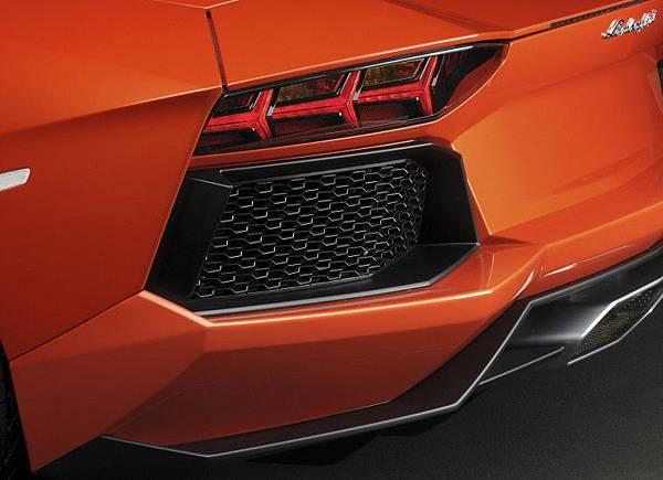 Lamborghini-Aventador-LP700-4.jpg