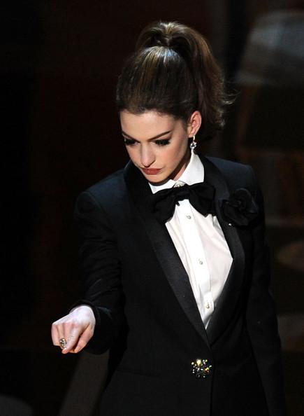 Anne+Hathaway+83rd+Annual+Academy+Awards+Show+B3noBIDuhSel.jpg