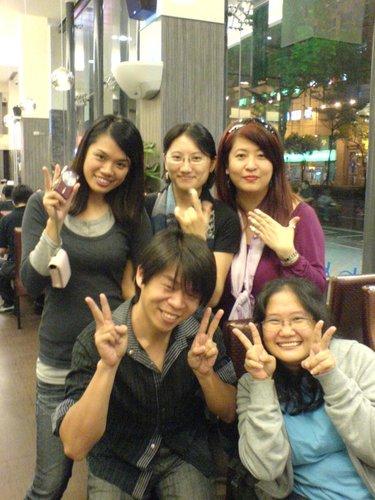 ap_F23_20091101105825926.jpg