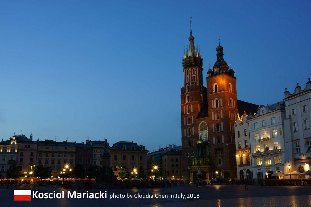 Krakov Old Town-a.jpg