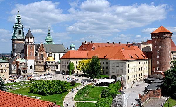 800px-Wawel_castle