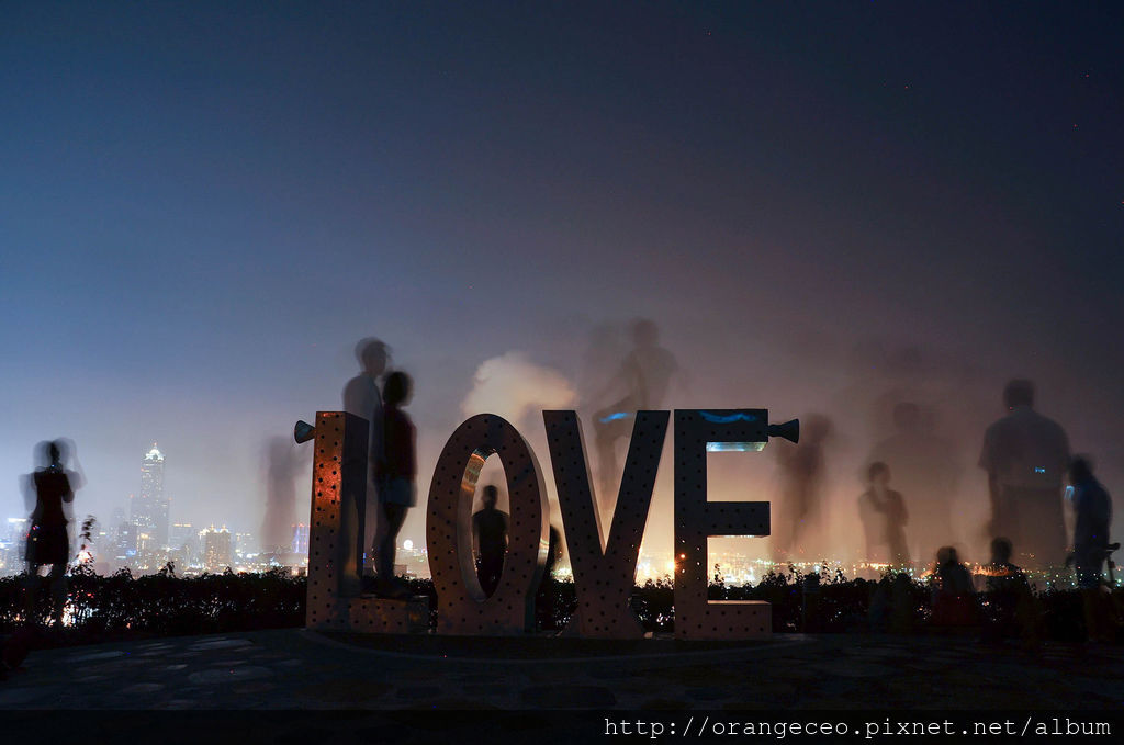 高雄 忠烈祠 LOVE 夜景