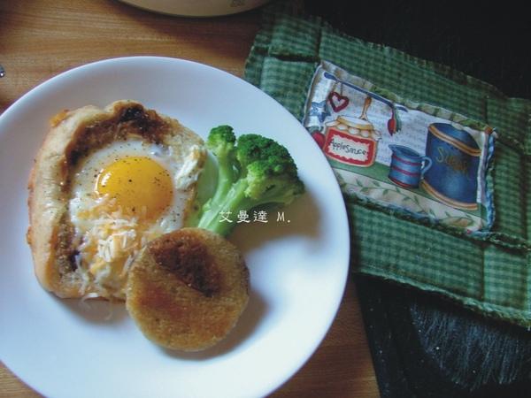 網誌-食譜-鳥窩蛋土司-2.jpg