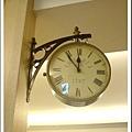 台南安平夜市買的復古時鐘, 雙面