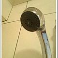 TOTO蓮蓬頭, 有多種出水量變化, 可惜家裡水壓太小, 沒有FEEL