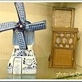 荷蘭買的風車音樂盒+國中同學陳玉旻送的音樂盒