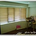 客房的採光也很好, 婆婆選擇了木片式的窗簾