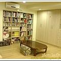 和室: 書櫃+大片衣櫃