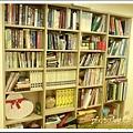 似乎是每個男人都必備的書櫃