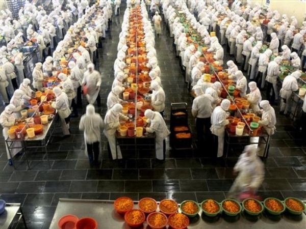 food inc factory.jpg