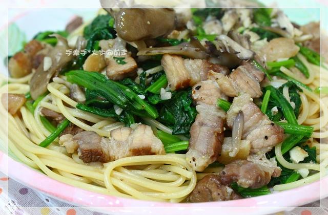 臘肉炒義大利麵3
