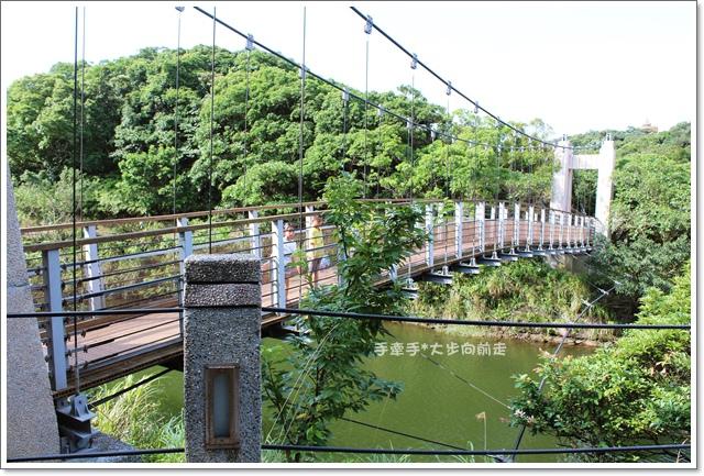 情人湖11.JPG