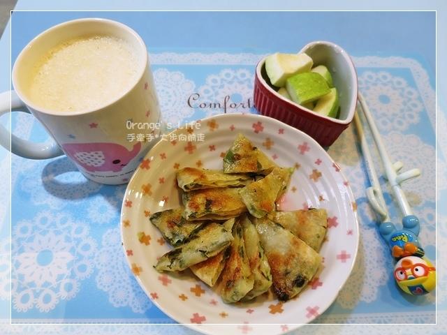 DAY10-堅果豆漿+蔥抓餅+芭樂.JPG