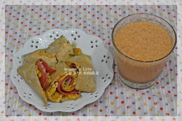 DAY20-玉米活腿蛋餅+木瓜牛奶.JPG