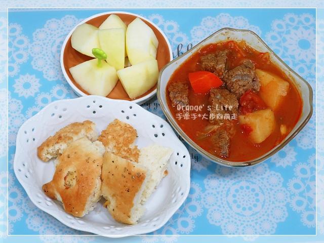 DAY06-佛卡夏麵包+蘿松湯+蘋果.JPG
