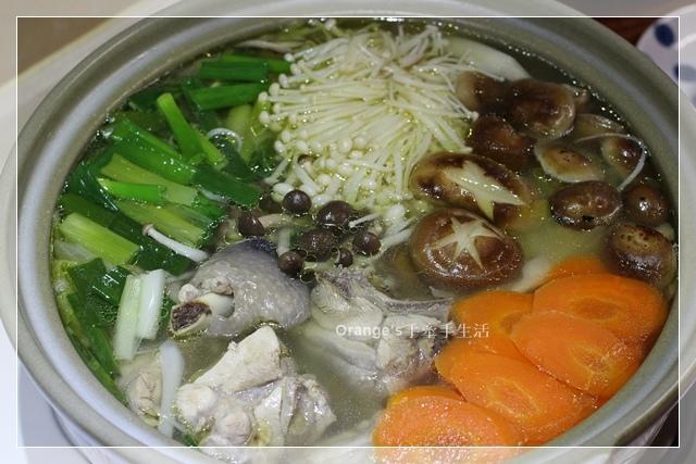 高麗菜鮮菇雞肉鍋2.JPG