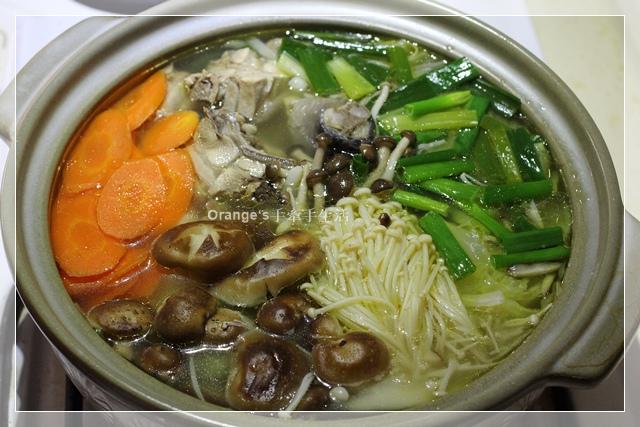 高麗菜鮮菇雞肉鍋1.JPG