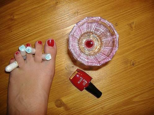 腳與指甲油