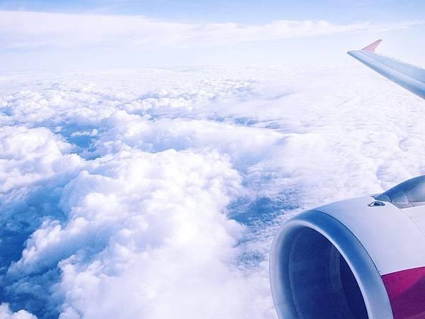 airplane-2230827_960_720.jpg