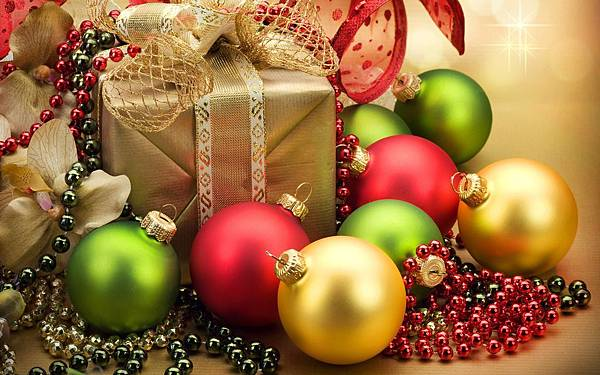 Christmas-ornaments-and-Christmas-gifts_1920x1200