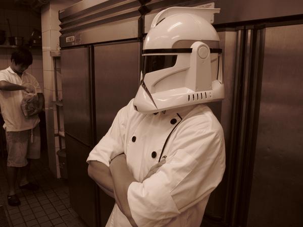 神秘的帝國複製人廚師