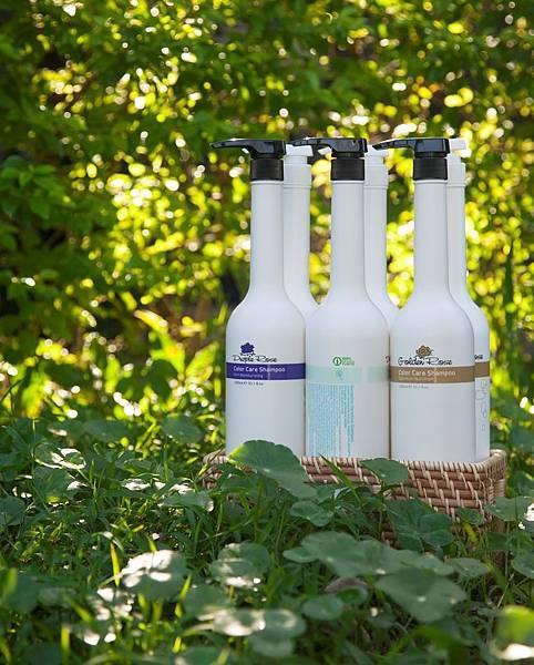 全球最綠髮妝O'right歐萊德,首創全球第一支再生押頭,洗髮精瓶全面百分百回收再生.jpg
