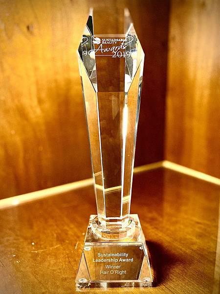 圖3-O%5Cright歐萊德在眾多國際品牌激烈競爭下脫穎而出 一舉奪得全球美妝界的最高榮耀「永續領導大獎Sustainability Leadership」冠軍.jpg