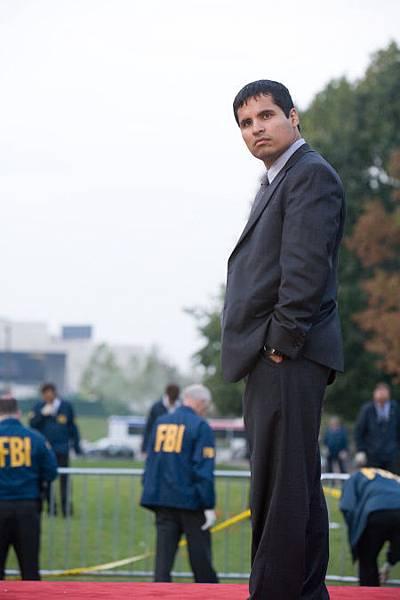 《Shooter》男配角 Michael Peña