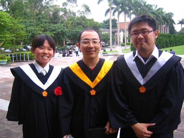 中間是未來的教授!