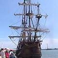 漂亮的仿古船