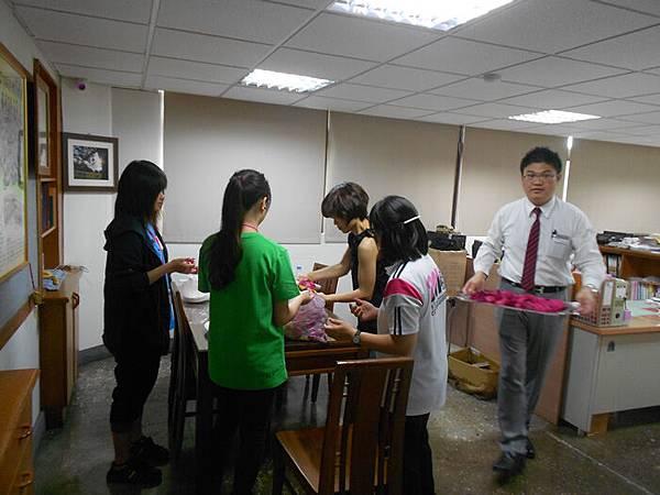 20150810羅克老師與失親兒藝術創作營~小星星你畫了梅2 (8)