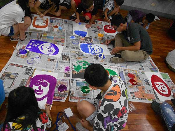 20150810羅克老師與失親兒藝術創作營~小星星你畫了梅3%20(5)