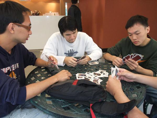 到哪都在打牌
