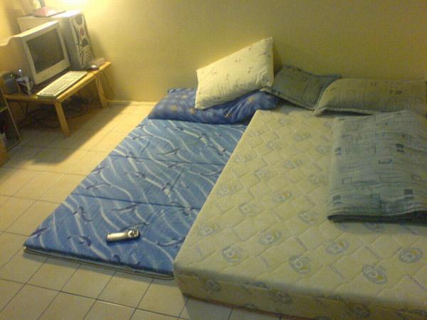 阿晃溫馨的床~