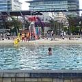 南岸公園裡的海灘戲水區