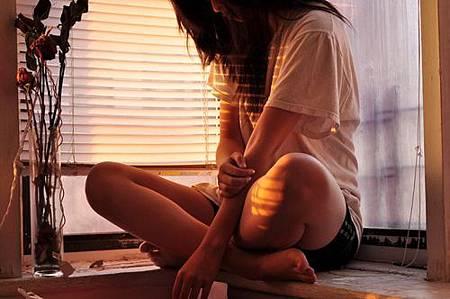 【說不孤單是一種麻痺自我的藉口】