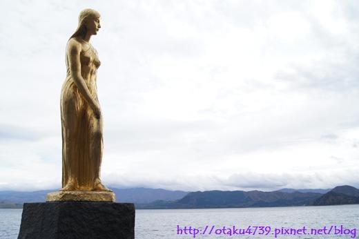 田澤湖-辰子女神像