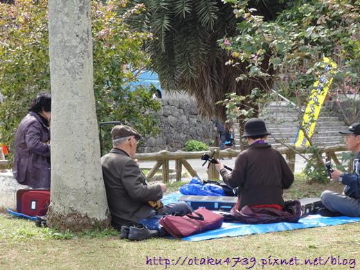 與儀公園-彈三味琴的老人