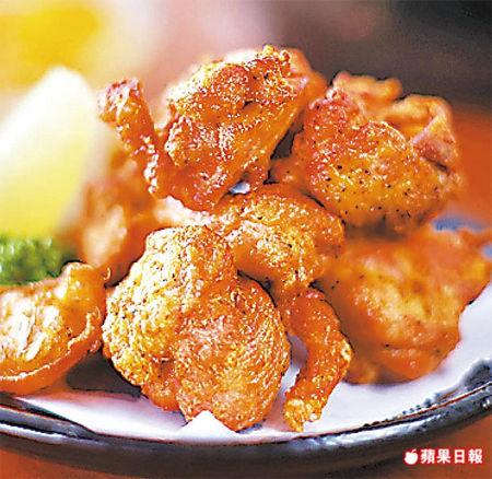 主廚吳政輝堅持手打製作漢堡排,每餐限量20個。