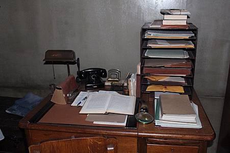 Sam's Bedroom-05.jpg