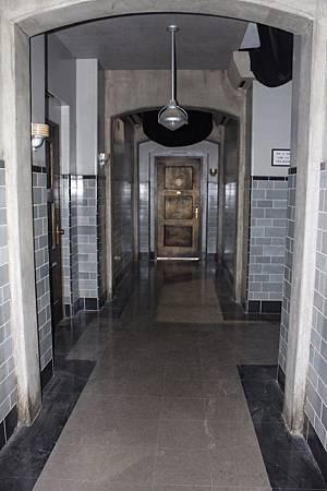 The Hallway-02.jpg